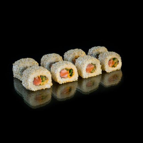 Roll California with salmon